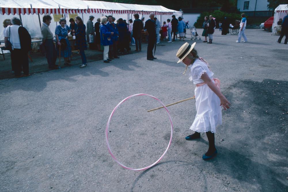 Großbritannien, Schottland, Strathpeffer, Victorian Events: Kind in historischem Kostüm (1987)