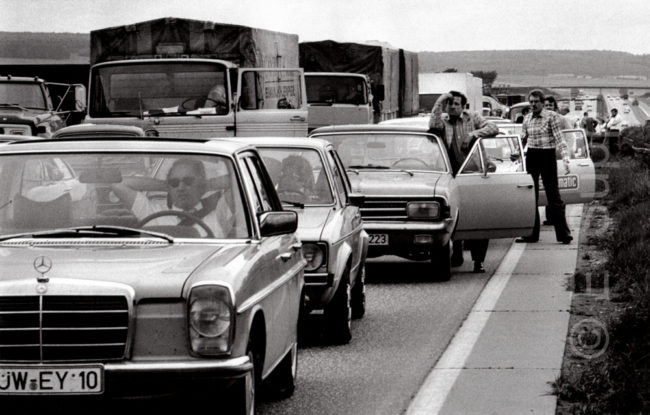 Deutschland, Rhein-Main-Gebiet, Stau auf der A5 (1977) / Germany, Rhein-Main area, traffic jam on the A5 motorway (1977)
