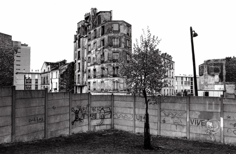 Frankreich, Paris Belleville, Abrisshäuser (1983) / France, Paris Belleville, buildings awaiting demolition (1983)