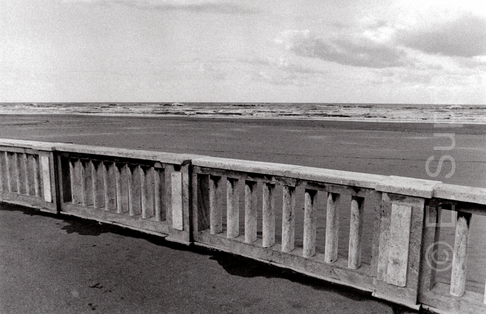 Italien, Adriaküste, Strand im Winter (1987) / Italy, Adriatic coast, beach in wintertime (1987)