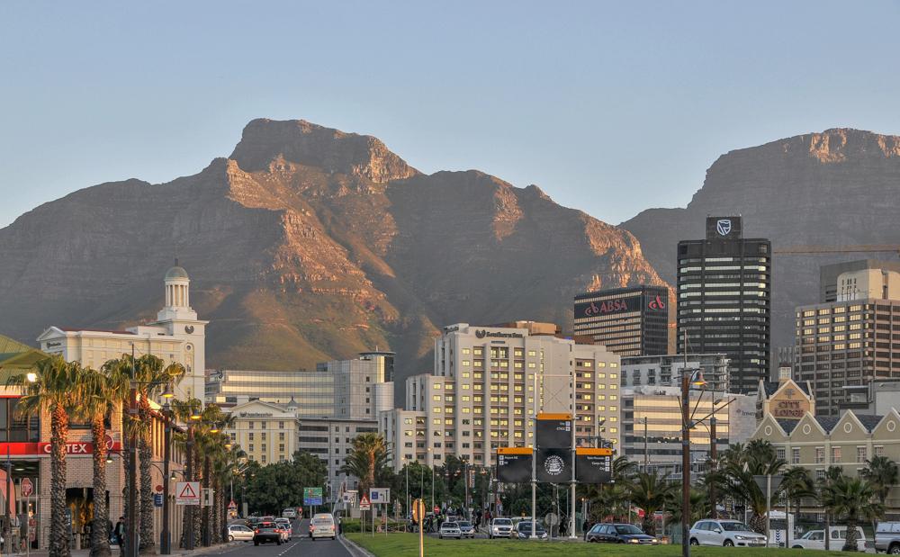 Südafrika, Cape Town, Blick von der Waterfront auf die Stadt (2012)