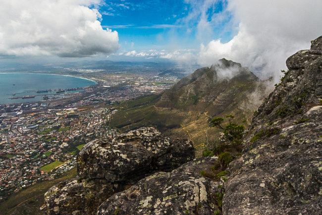 Südafrika, Kapstadt, Blick vom Tafelberg auf die Stadt (2014)