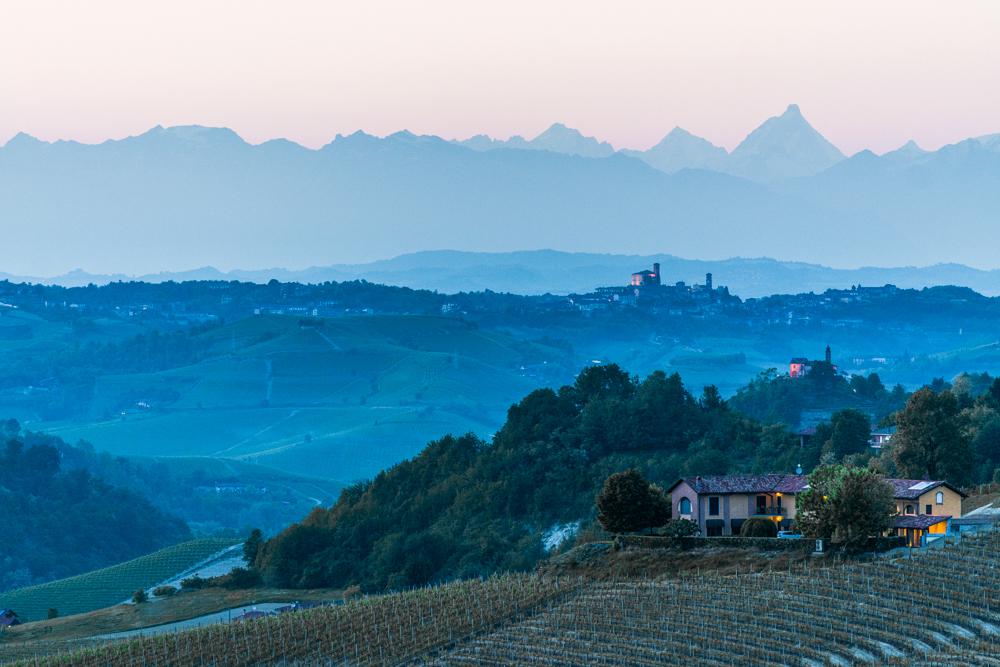 Piemont, Weinbau vor der Alpenkette