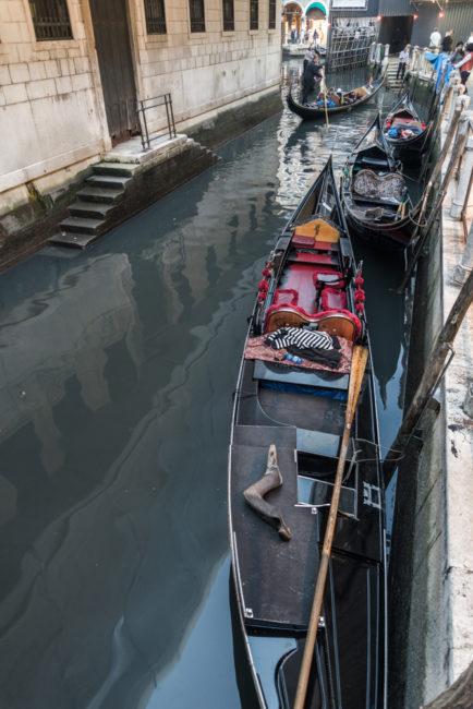 Venedig, Italien, Gondeln hinter dem Markusplatz