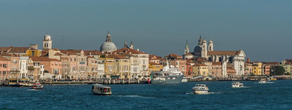 Venedig, Italien, Skyline vom Canale della Giudecca aus