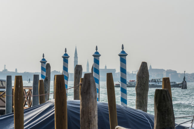 Venedig, Italien, Vaporettostation Murano Navagero und Blick auf die Hauptinsel