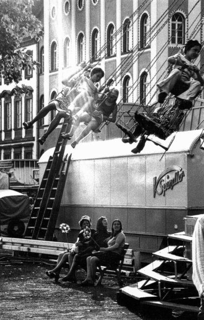 Deutschland, Frankfurt, Dippemess am Mainufer (1974)