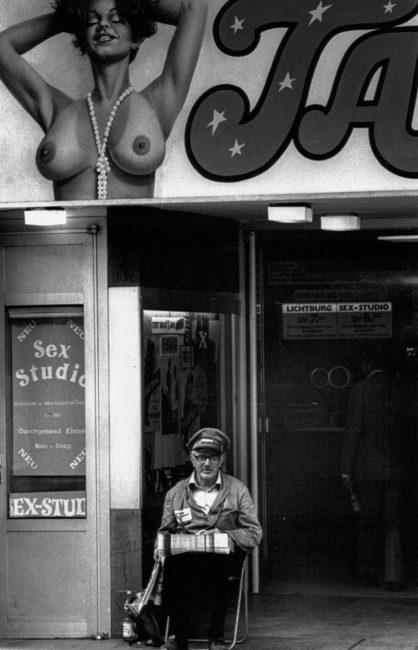 Deutschland, Frankfurt, Auf der Kaiserstraße, Rotlichtviertel (1977)