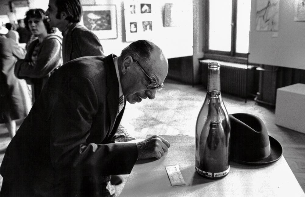 Frankreich, Paris, Ausstellung in der Mairie des 19. Arr., Buttes Chaumont (1977)