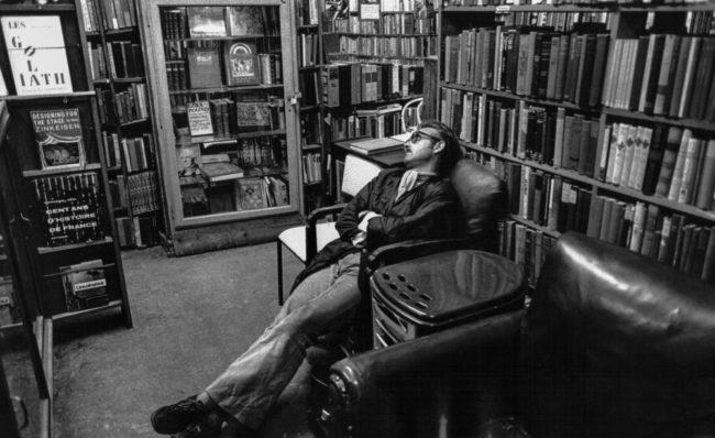 Frankreich, Paris, Mittagsschlaf in der Buchhandlung Shakespeare & Co. (1978)