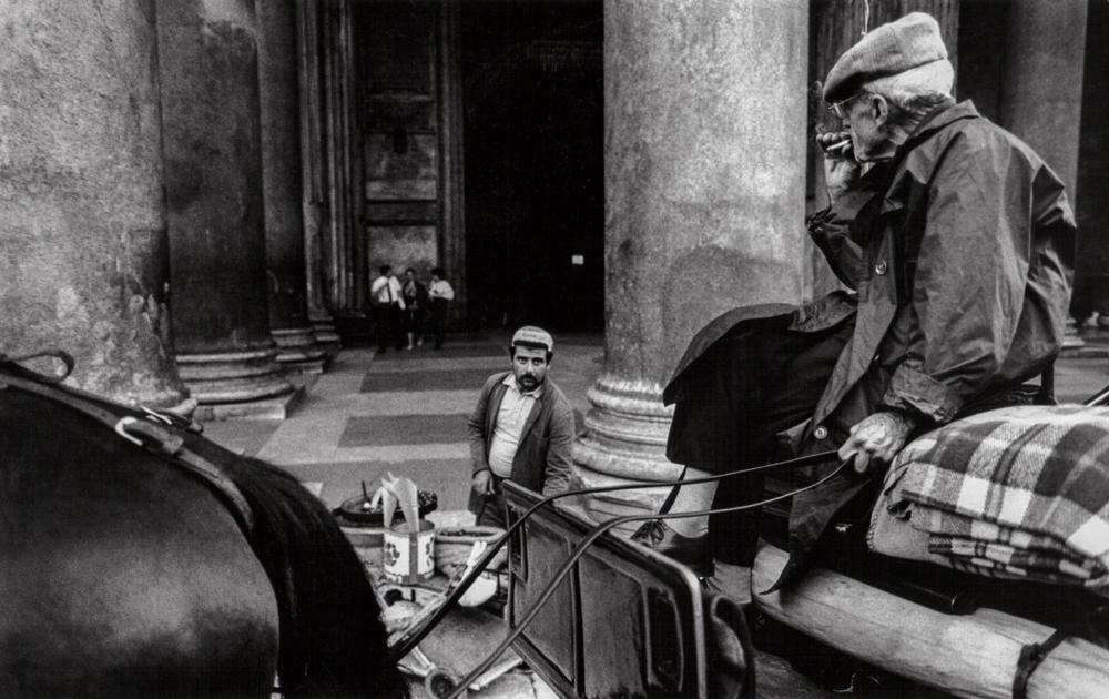 Italien, Rom, Pferdekutsche vor dem Pantheon (1984)