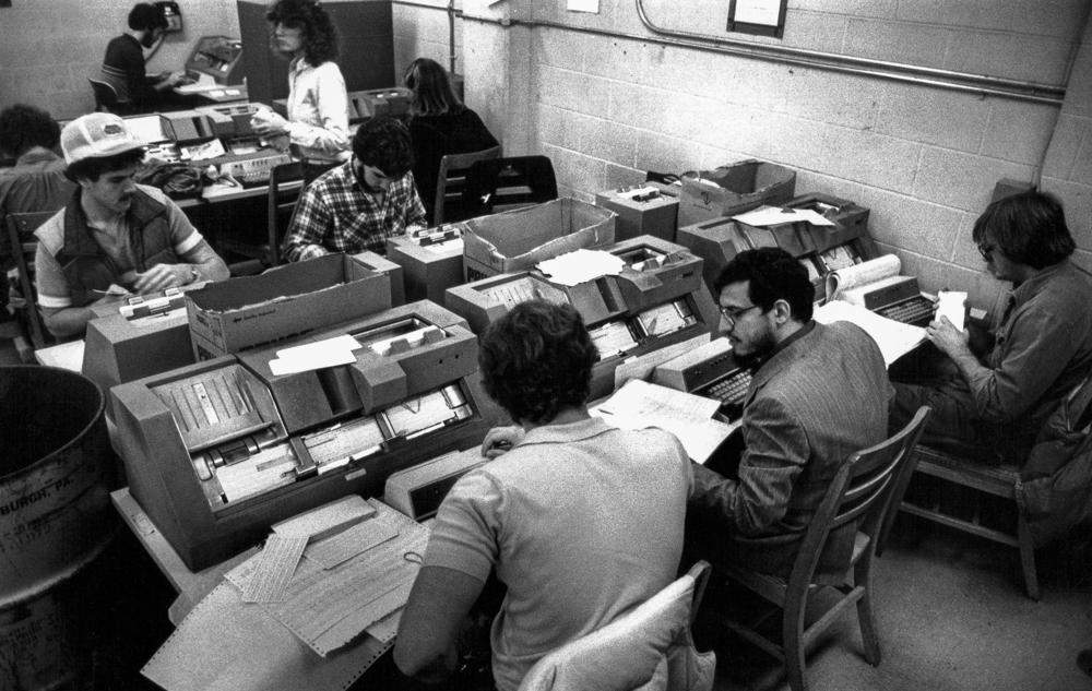 USA, Bloomington, Computer mit Lochkarten (1980)