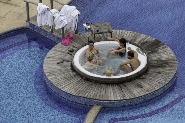Brasilien, Rio Grande do Sul, Vale dos Vinhedos - Hotel und Spa do Vinho, Whirlpool (2013)
