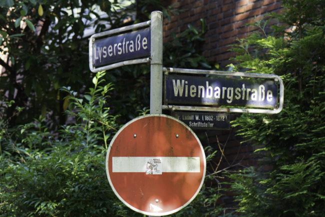 Hamburg, Straßenschilder erinnern an einstigen Weinbau