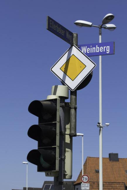 Kiel, Straßenschilder erinnern an einstigen Weinbau