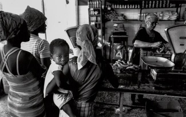 Angola, Luanda, Knappe Lebensmittel - (1976)