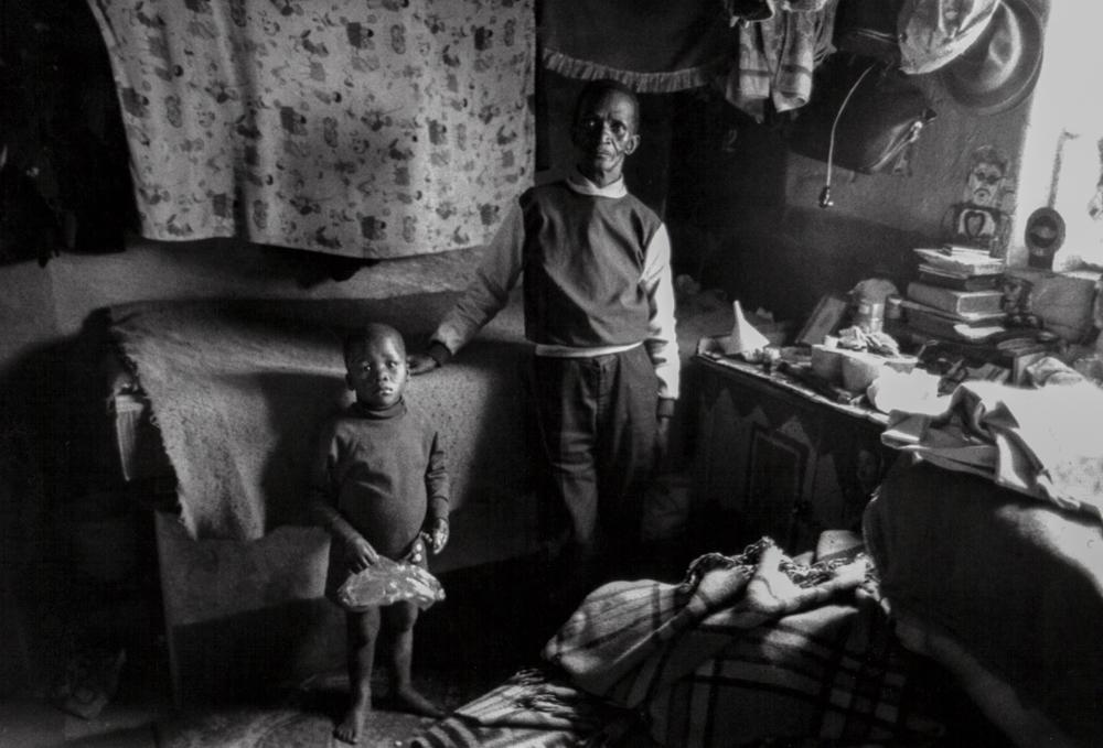 Südafrika, Kapstadt, Apartheid, Gemeinschaftsunterkunft in Langa - (1978)