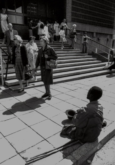 Südafrika, Kapstadt, Apartheid, Kein Almosen vor Groote Kerk - (1978)