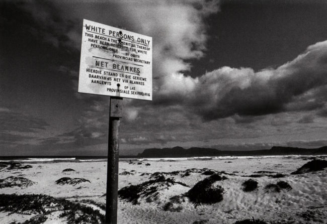 Südafrika, False Bay, Apartheid, leerer Strand nur für Weiße - (1978)