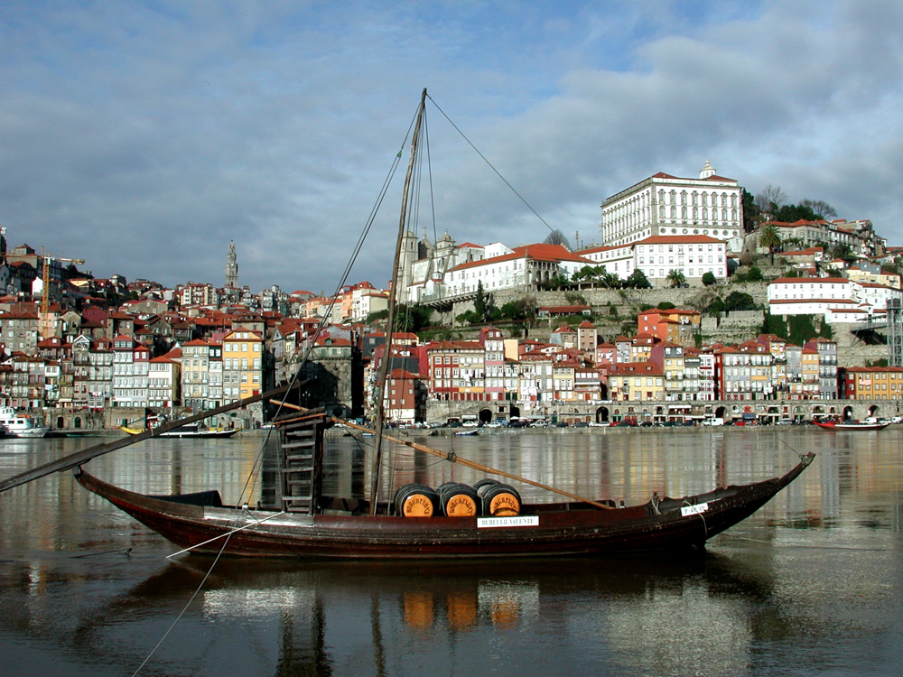 Portugal - Lissabon - Rabelo, traditionelle Portweinboote (2000)